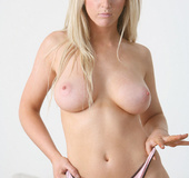Very hot blondie can't wait any more to tear off her undies