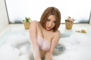 Busty short haired beauty plays in the s - XXX Dessert - Picture 3