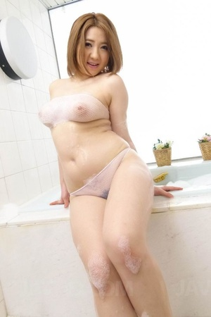 Busty short haired beauty plays in the s - XXX Dessert - Picture 5