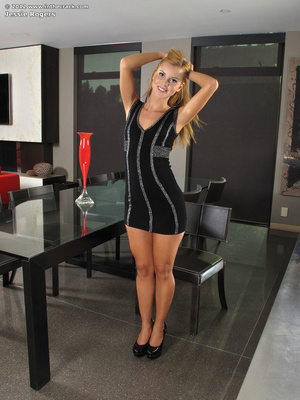 This cute blonde bimbo would love to tak - XXX Dessert - Picture 1