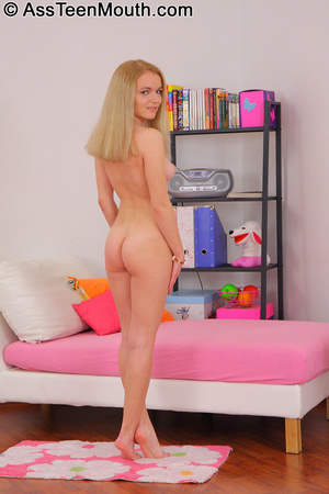 Lusty blonde teen had a thick hard man m - XXX Dessert - Picture 4