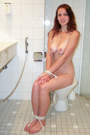 Teen babe Samantha in a collar and with  - XXX Dessert - Picture 1