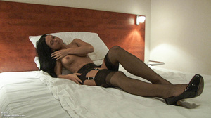 Naked Samantha posing in pantyhose and h - XXX Dessert - Picture 2