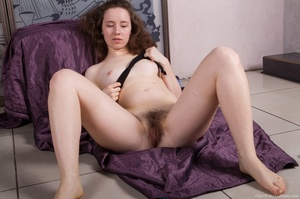 Lusty looking white chick with cute smal - XXX Dessert - Picture 12
