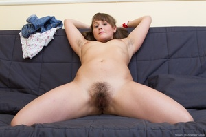 Young fun lover with brown hair and smal - XXX Dessert - Picture 7