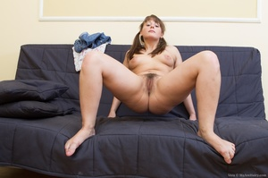 Young fun lover with brown hair and smal - XXX Dessert - Picture 11