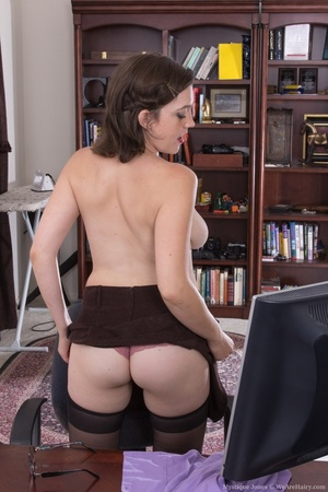 Sexy secretary takes time to give out fu - XXX Dessert - Picture 6