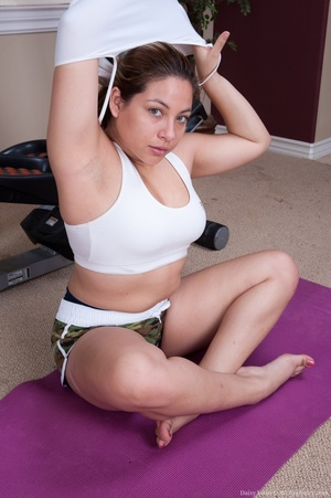 Cute chick finds time while working out  - XXX Dessert - Picture 5