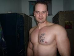 34 yo, boy live sex, short hair, white