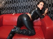 brunette s27latexgirl willing perform