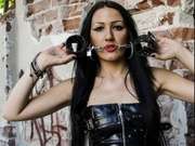 brunette mistressravenna willing perform