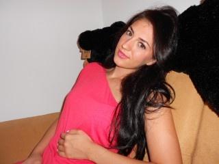 brunette aniela