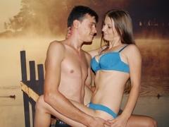 18 yo, couple live sex, short hair, white