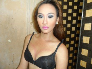 brunette nathalia perform anal