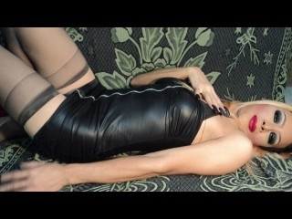 blonde liza perform close