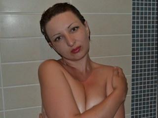 brunette moskowmia perform anal