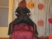 redhead alicia willing perform