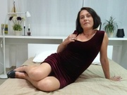 brunette 1playfullady willing perform