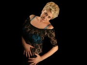 blonde laura willing perform