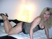 blonde nicole willing perform