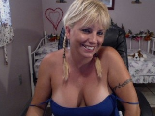 blonde janie perform anal