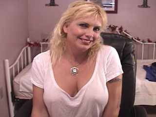 blonde janie perform anal