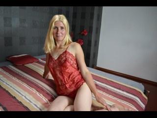 blonde hannah perform cameltoe