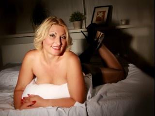 blonde sofia perform anal
