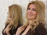 blonde lisaevans willing perform