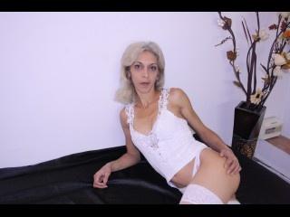 blonde simina