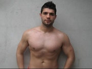 brunette musclebiggay69 willing perform