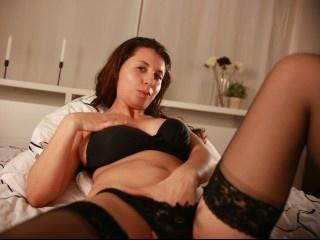 brunette tamina perform anal