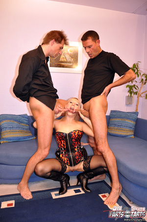 Chick fucking two senior guys at the sam - XXX Dessert - Picture 8