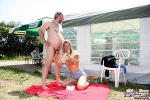 Daring girl publicly shagging a very hor - XXX Dessert - Picture 10