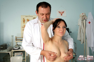 Old doctor shagging his naked blindfolde - XXX Dessert - Picture 1