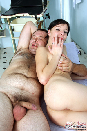 Old doctor shagging his naked blindfolde - XXX Dessert - Picture 4