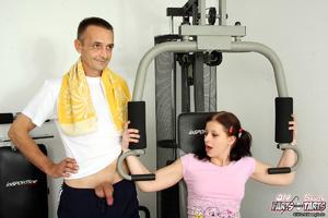 Fitness instructor getting his stiff pec - XXX Dessert - Picture 3