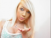 blonde lydialee