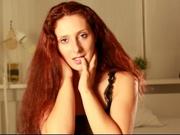 brunette sara willing perform