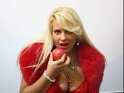 blonde royaloneroyal willing perform