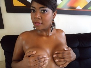 brunette deliciussquirt perform anal