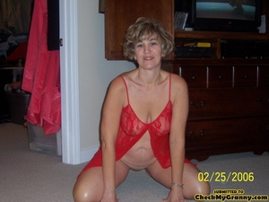 Drop dead gorgeous granny in her red lin - XXX Dessert - Picture 1
