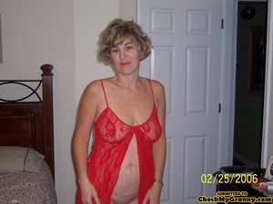 Drop dead gorgeous granny in her red lin - XXX Dessert - Picture 2