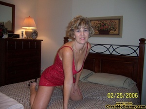 Drop dead gorgeous granny in her red lin - XXX Dessert - Picture 6