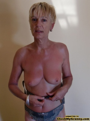 Proud granny openly goes naked in the ou - XXX Dessert - Picture 1
