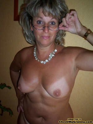 Gorgeous copper colored hair granny unle - XXX Dessert - Picture 11