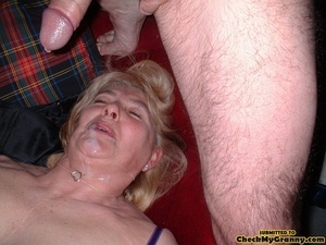 Kinky blonde granny enjoys a mouthfull o - XXX Dessert - Picture 3