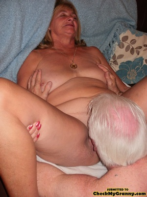 Kinky blonde granny enjoys a mouthfull o - XXX Dessert - Picture 10