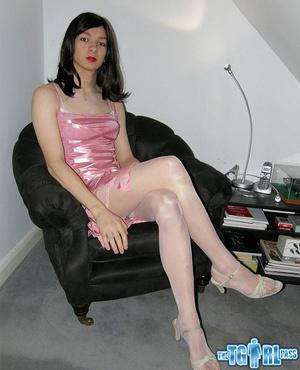 Pretty in glossy pink dress as an alluri - XXX Dessert - Picture 1