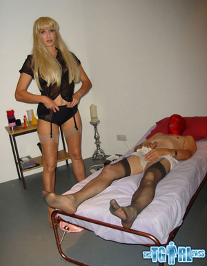 Blonde crossdress bitch gives the myster - XXX Dessert - Picture 8